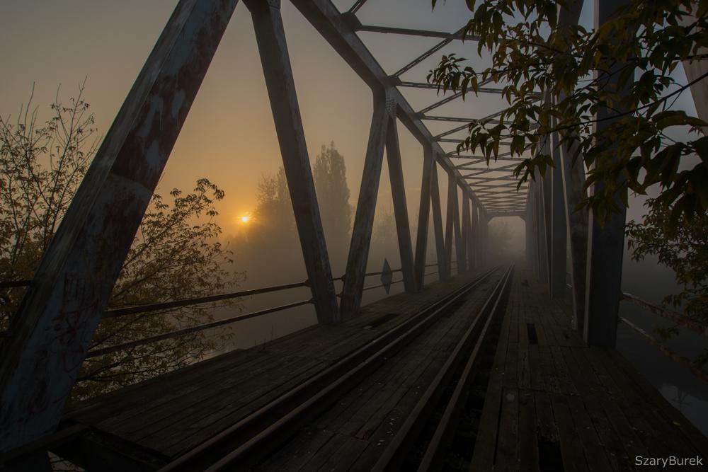 Nieczynny most kolejowy