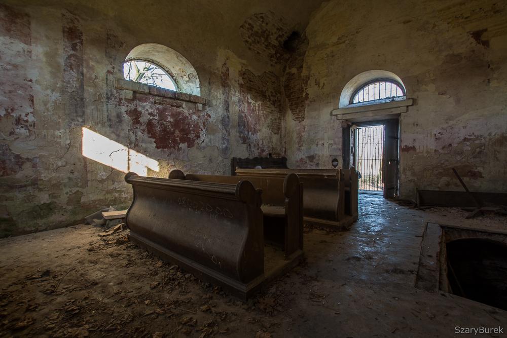Zabytkowa kaplica grobowa