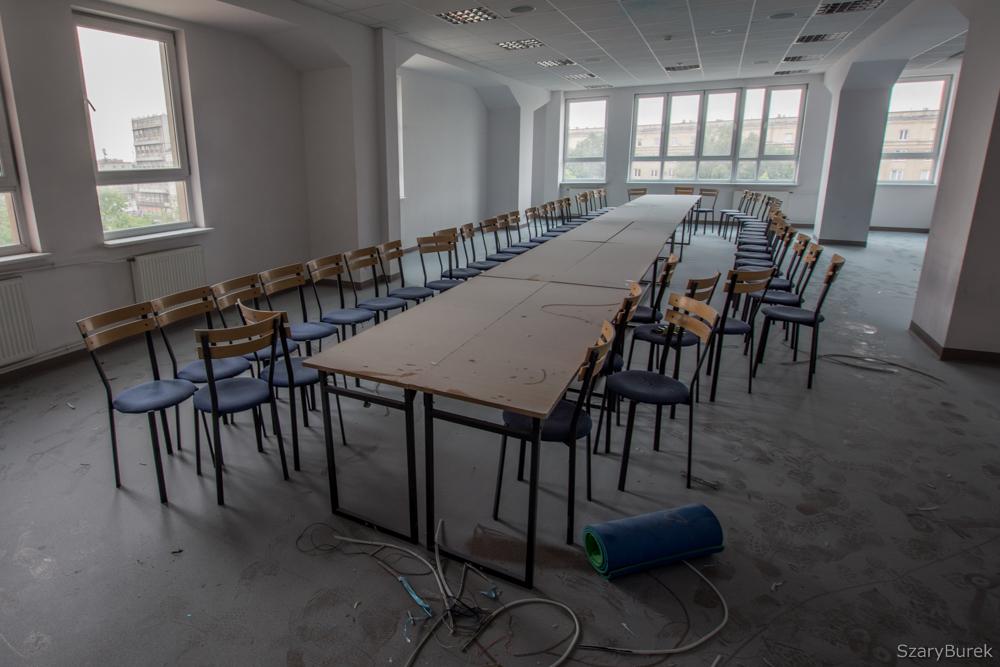 Upadek warszawskiej uczelni